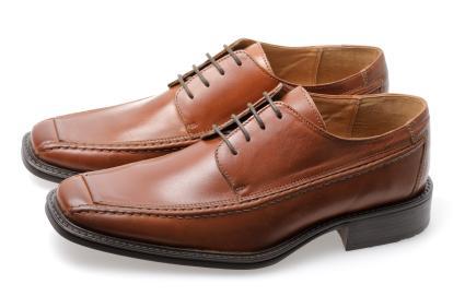 black shoes vs. brown shoes xisfbfo